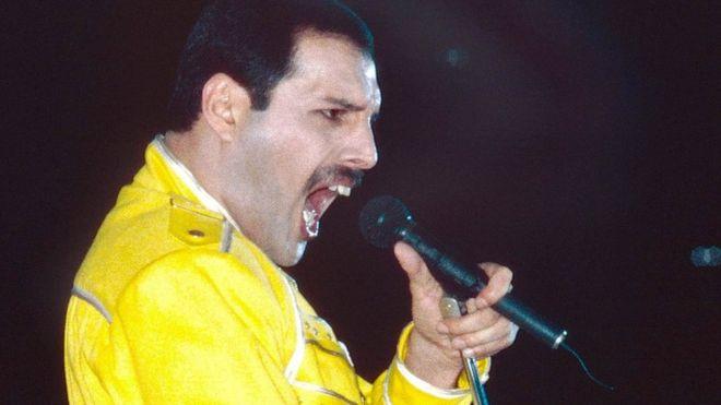 ¿Queres saber cuanto le pareces a Freddie Mercury? Queen y YouTube te dan esa oportunidad.