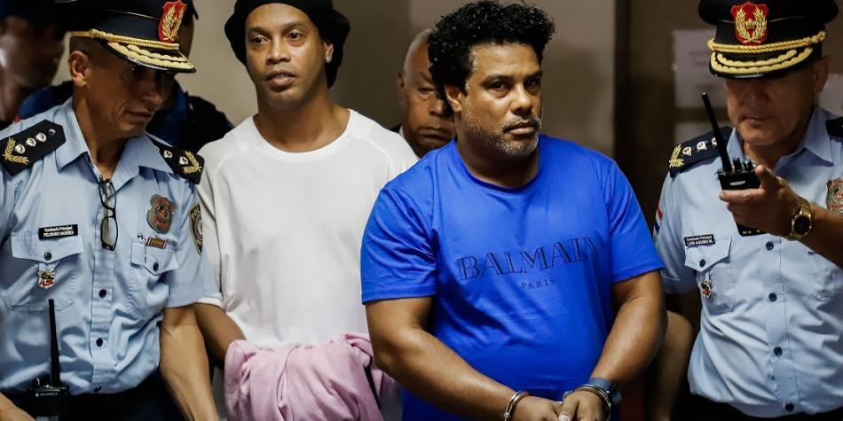 """La Justicia Paraguaya ratificó la prisión preventiva de Ronaldinho y su hermano por """"riesgo de fuga"""""""